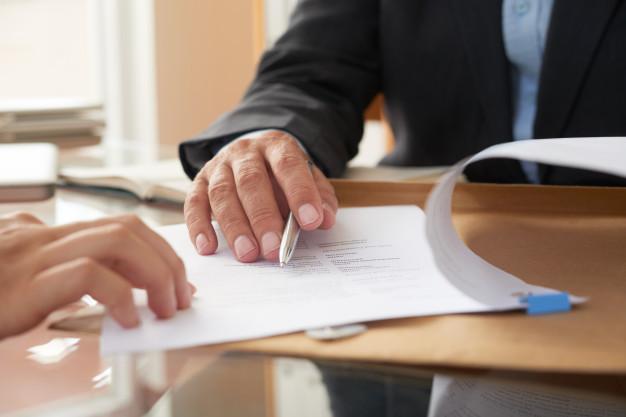 انواع تأخیر در قراردادهای پیمانکاری و پیامدهای آن